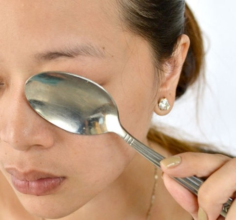 Как убрать отек глаз от синяка